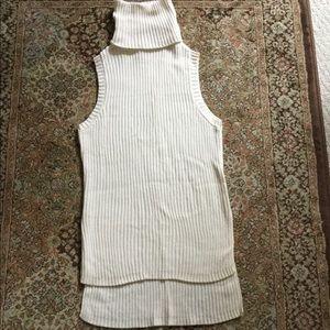 Kensie turtleneck sleeveless sweater